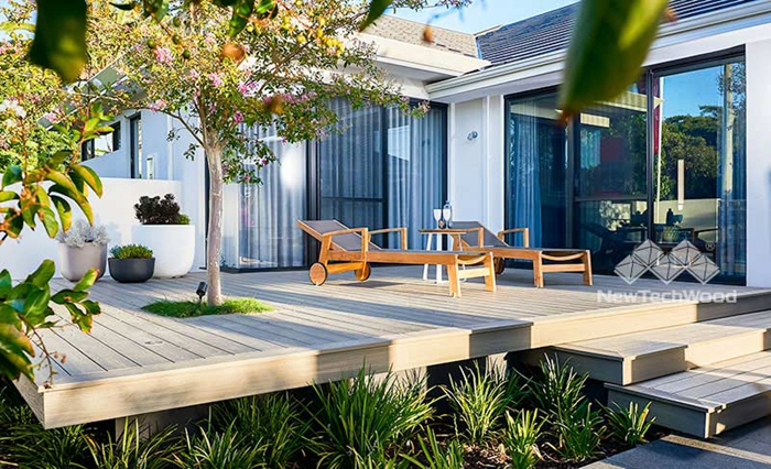 use composite deck to build a back yard living space